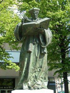 Standbeeld Erasmus Rotterdam